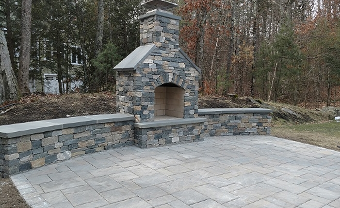 Outdoor Fireplace / Fire pit
